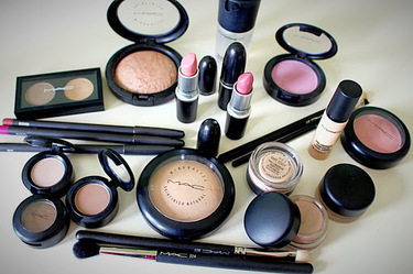 10 Things and Tips to Consinder When Buying the Best Makeup